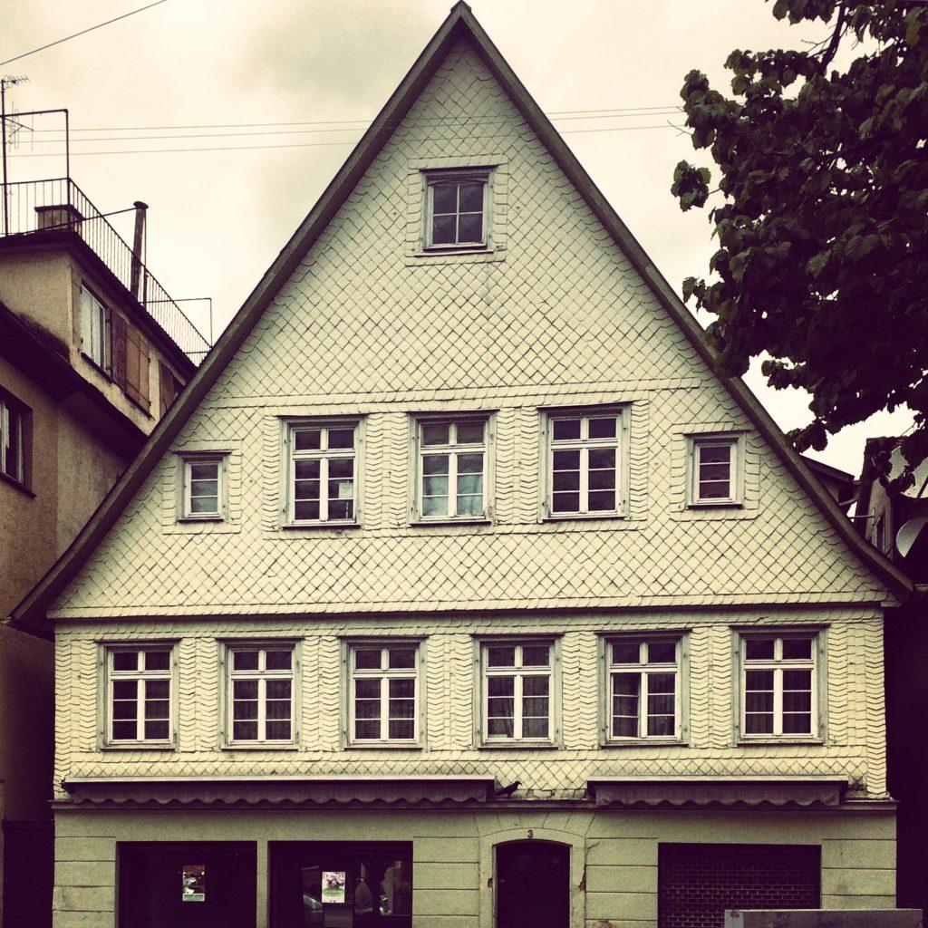 Haus, ohne Fachwerk und Ordnung